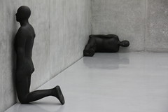 facing the wall (michael.fruehstueck) Tags: white house black art museum kids austria sterreich arts kunsthaus bregenz exhibition anthony bodensee gormley kub vorarlberg gcmk
