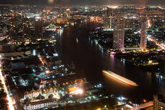 Bangkok at night (Mace2000) Tags: city night river thailand asia asien honeymoon nacht bangkok urlaub stadt 5d fluss chaopraya statetower flitterwochen mace2000 lebuahotel 20090815mg6717