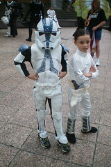 Young Star Wars fans (GA-Kayaker) Tags: atlanta trooper starwars padme clone dragoncon woodruff