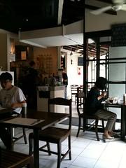 ランチ待ちなう@海南鶏飯食堂2