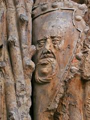 ESCUDO (titoalfredo) Tags: espaa arte valladolid museo sangregorio sia piedra escudo plateresco pennsulaibrica castillaylen