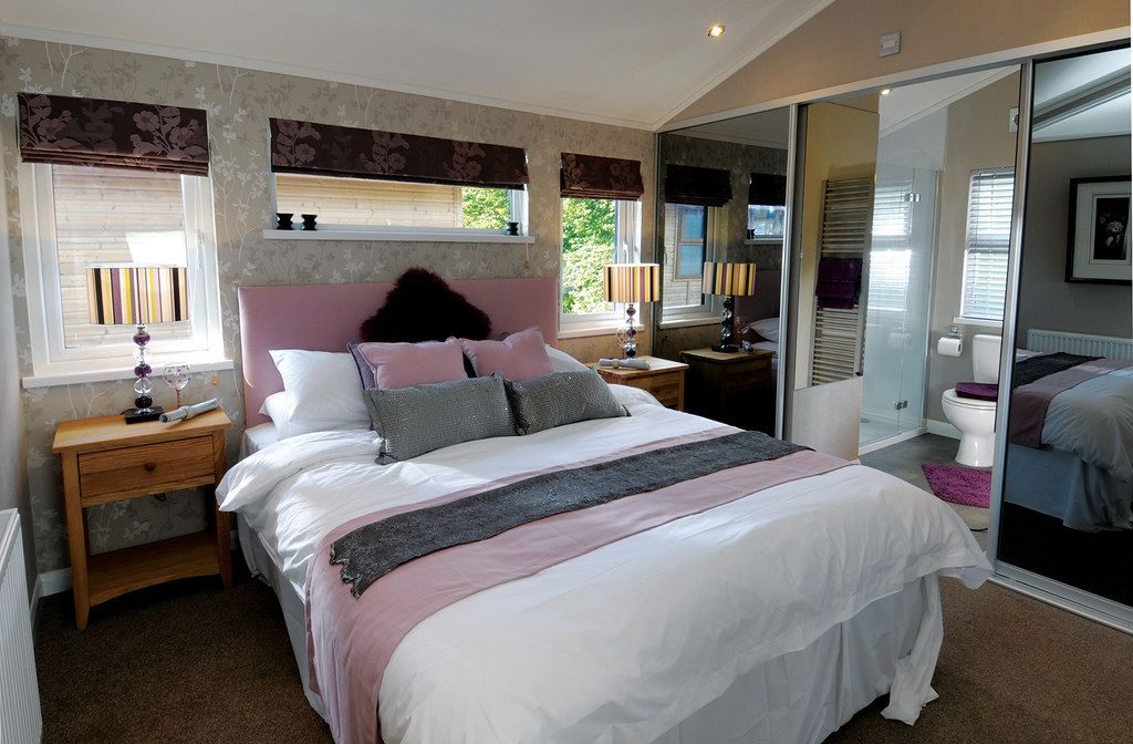 Luxury Holiday Lodges - The Contemporary Lodge - Wessex Park Homes 4