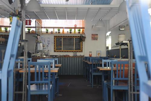 かもめ食堂