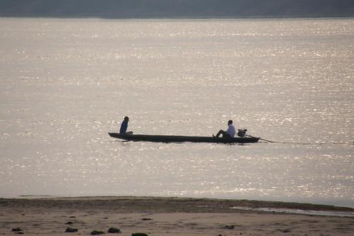 148.湄公河上的一葉扁舟