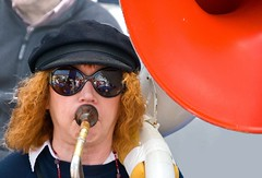 blow it! (Ruth Flickr) Tags: blue red musician white reflections j think jazz shades cap sousaphone i dsc1493 buchstabenfotogruppe jazzmusikerin