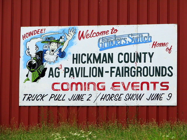Grinders Switch AG Expo sign