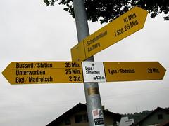 Wegweiser Lyss / Schachen (BE - 438m) , Kanton Bern , Schweiz (chrchr_75) Tags: del schweiz switzerland site suisse map hiking swiss plan du trail bern christoph svizzera mappa berne wandern berner chemin sito weg berna hikingtrail wanderung tafel wanderweg wegweiser suissa markierung standort kanton chrigu 0906 wanderwege kantonbern brn wanderwegweiser chrchr hurni chrchr75 chriguhurni wanderwegmarkierung bernerwanderwege standorttafel sidkarta sivustokartta albumstandorttafelsammlung albumbernerwegweiser pedstre wegzeit wwlyssschachen wwlyss hurni090625