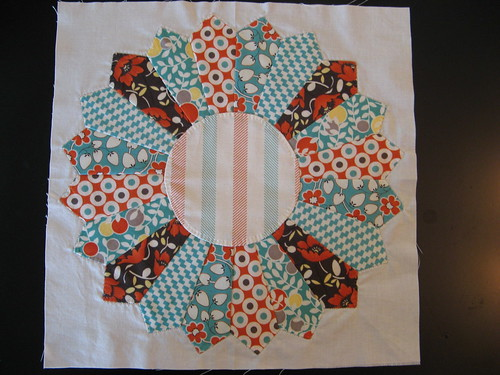 Dresden Plate July Block Bee Modern