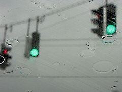 ARTistic RAiN (Zulma ()) Tags: rain trafficlight explore windshield explored comopapacaliente page9explorethenout