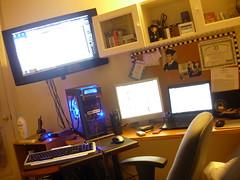 Messy Desktop (JonJCP) Tags: