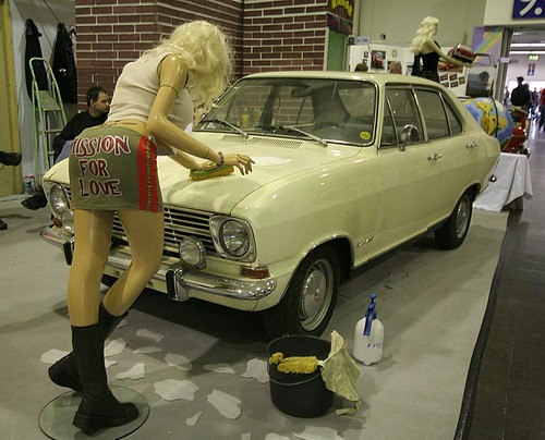TCE09 - Opel Kadett car wash by Fine Cars