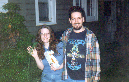 2000ish - Carolyn, Clint - front yard - 20 - we has mail