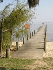 Trapiche na Praia da Pedreira (Vagner Eifler) Tags: praia brasil natureza itapuã lagoguaíba riograndedosul trapiche viamão parqueestadualdeitapuã praiadapedreira