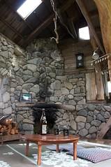 石の家の内部