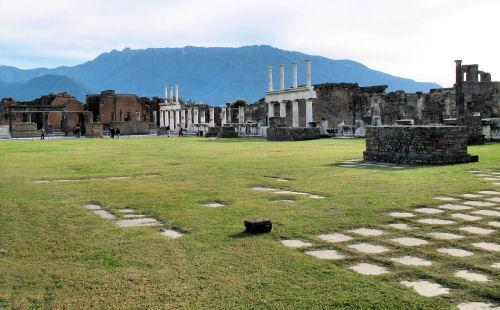 Pompeii 1583 R