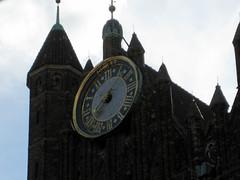 st marys clock (Carpe Feline) Tags: europe poland armor gdansk easterneurope woodywoodpecker stgeorgeandthedragon carpefeline arthurscourt