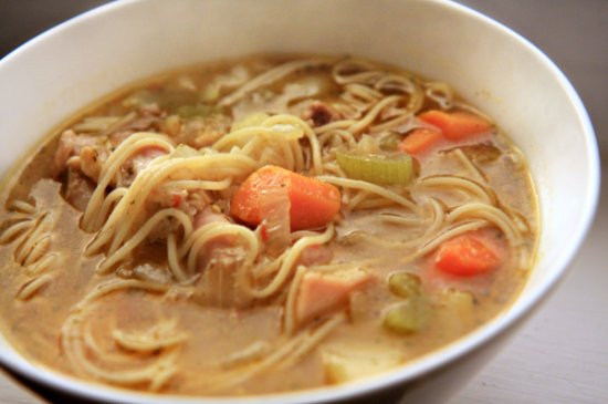 Sopa de Pollo con Fideos (Chicken Noodle Soup) Header