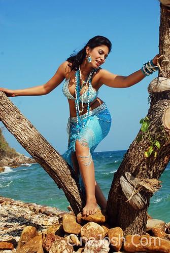 sexy actress Suprena