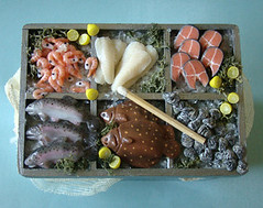 Fish Stall - Final Version #3 (PetitPlat - Stephanie Kilgast) Tags: miniatures handmade salmon polymerclay fimo clay oysters minifood fishes 112 dollhouse poissons plaice dollshouse huitres saumon lachs miniaturefood carrelet puppenhaus miniaturen oneinchscale dollhousefood dollhouseminiature petitplat minifish miniaturefish