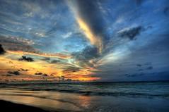 Tuban Beach - Bali (communiquel) Tags: sunset fab bali beach indonesia asia soe tuban kuta denpasar d300 1424 mywinners abigfave platinumphoto anawesomeshot flickrdiamond nikond300 communiquel alemdagqualityonlyclub