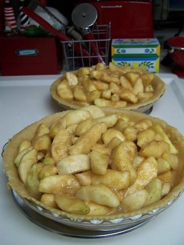 Apple pie in progress