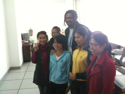 Dr Carl Owens with students in Hangzhou Normal University