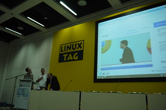LinuxTag: openSUSE saves the day