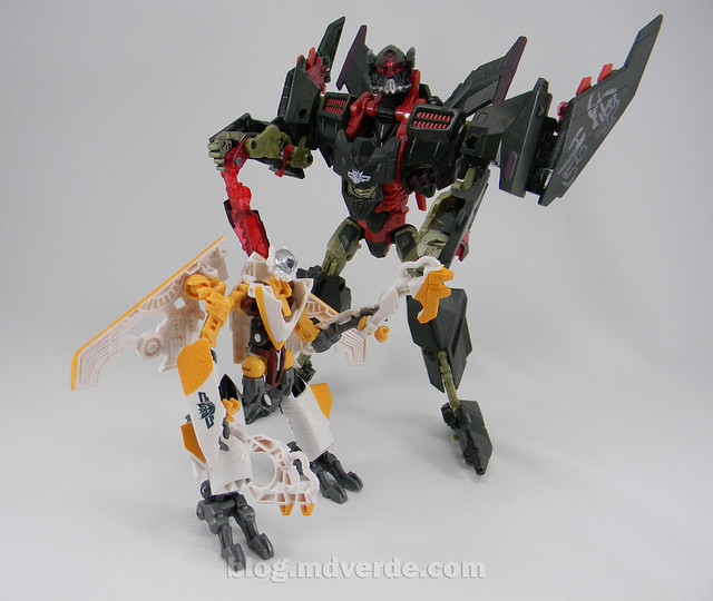 Transformers Sunspot Hunt for the Decepticons Scout - modo robot vs Mindwipe