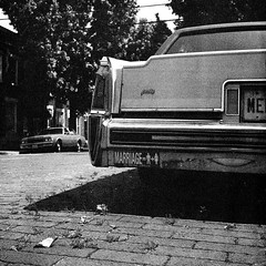 peake (patrickjoust) Tags: auto street camera old city urban bw usa white house black west b