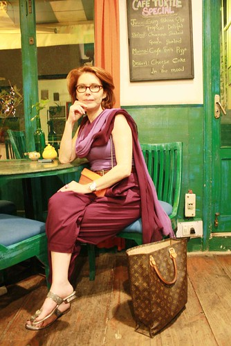 City Landmark – The Full Circle Bookshop & Café Turtle, Khan Market