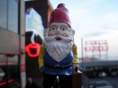Monargent Sleepless in Seattle (nanneli7) Tags: seattle travel gnome amelie pikeplace ameliepoulain publicmarket monargent