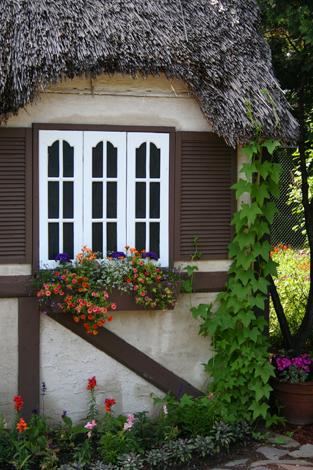 dwarf house