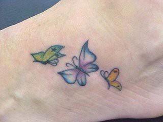 tatoo borboleta nos pés