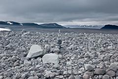 Stone art at Langjökull (Pezti) Tags: iceland august ísland isl ágúst leicam8