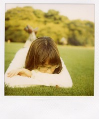 autumn breeze (mika-rin) Tags: park autumn girl polaroid sx70 friend picnic meetup nana lotta 600film
