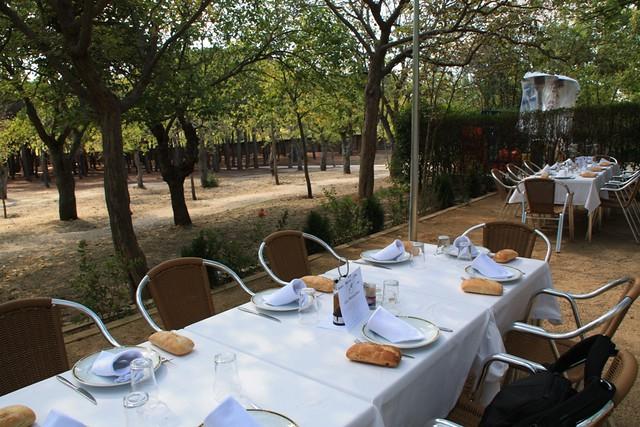 Mesa en la Terraza del Restaurante La Manzana