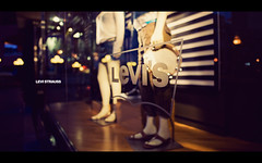Levi Strauss (isayx3) Tags: street window shopping evening nikon dof display bokeh scene depthoffield jeans levi 24mm nikkor levis 169 f28 d3 strauss plainjoe isayx3
