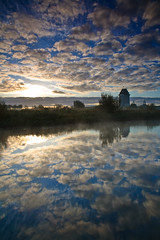 Reflecting on a Sunday (KennethVerburg.nl) Tags: autumn mist castle fall netherlands dutch sunrise herfst nederland flevoland almere kasteel zonsopkomst weteringpark almeerderhout