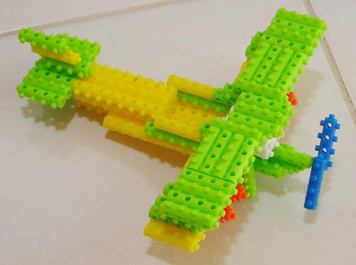 Avião de Pinos Mágicos