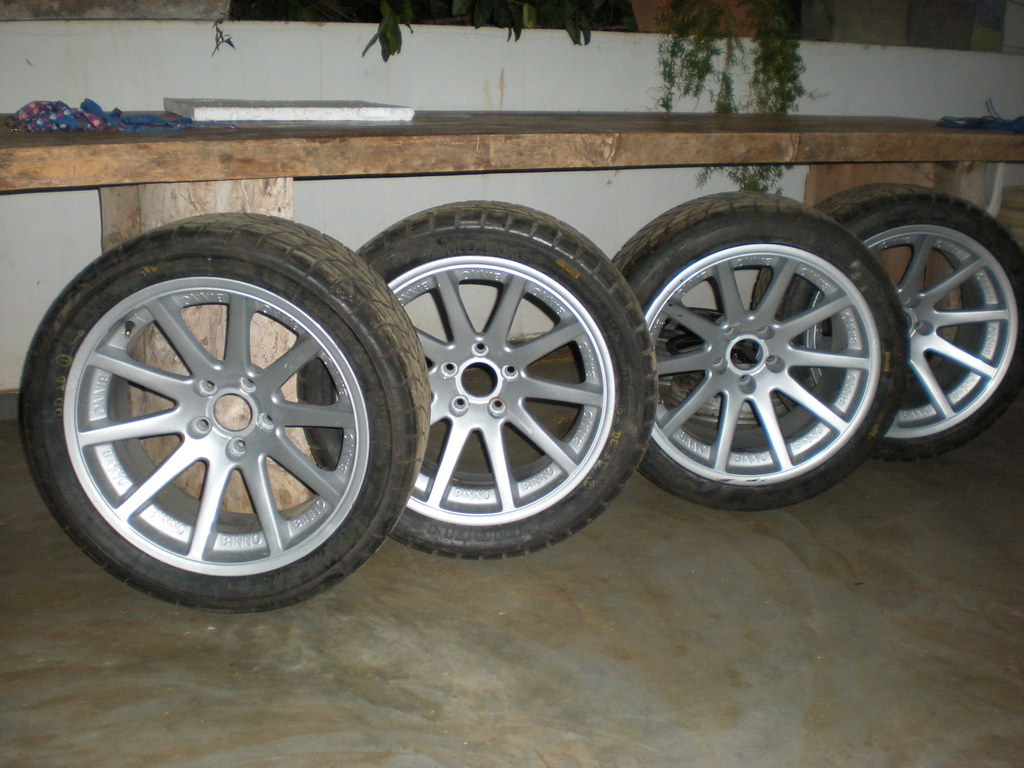 brazilian stock car v8 18 inch wheels