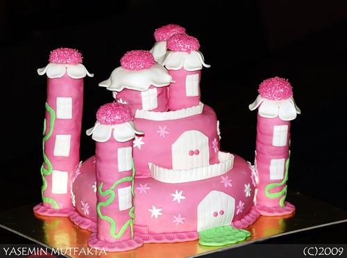 Pespembe Şato Pasta/ Pink Castle Cake