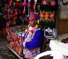Peru - Aguas Calientes  - wie in einem arabischen Basar (roba66) Tags: peru inka machupicchu ruinen inkas huaynapicchu mauern antik südamerika ruinenstadt stadtindenwolken perumachupicchaguascalientessovenirlädensouvenirsu