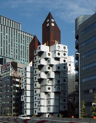 NAKAGIN CAPSULE TOWER: Kisho Kurokawa, Tokyo, Jun. 1972 (wakiiii) Tags: japan architecture nikkor 建築 f4 1224 s5 黑川紀章 s5pro nikkor1224mmf4gifed