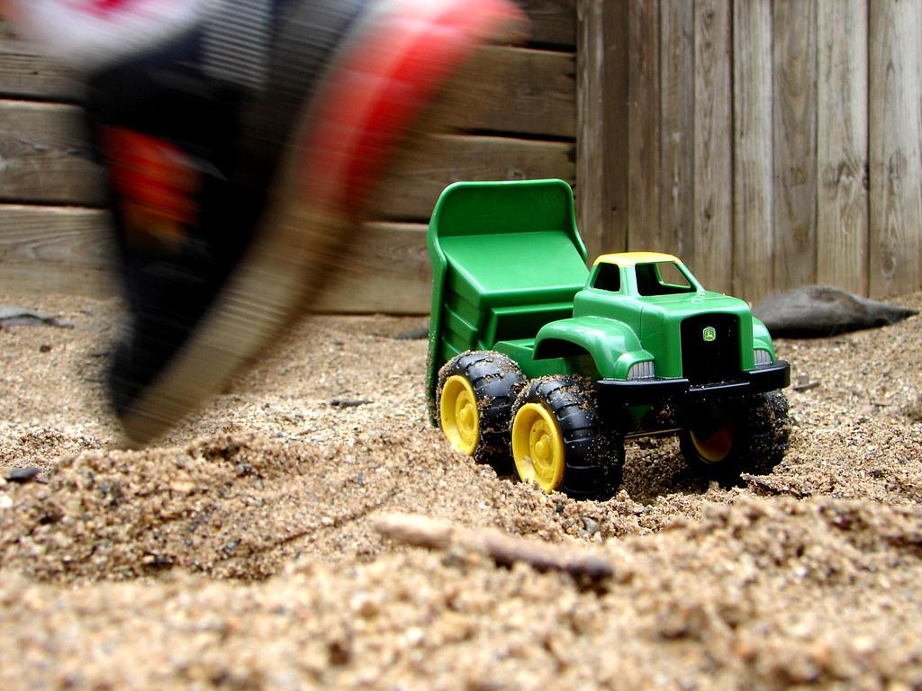 John Deere Truck Lands on the Giant Toddler Planet