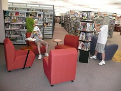 Exploring Expedition at the Teen Lounge (Palatine Public Library District) Tags: libraries photosafari scavengerhunt summerreadingprogram teenlounge palatinepubliclibrary readonthewildside digitalcamerascavengerhunt savagenocturnalmonkeysquirrels