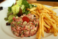 Steak Tartare (Rene S. Suen) Tags: toronto french salad raw beef lettuce potato fries steak mustard jules fried greenonion caper tartare torontolife julesbistro renedinesout julesbistrocafe