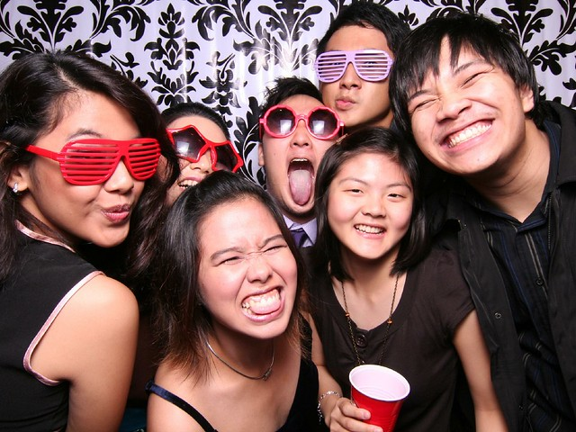 113748 by Poof Photobooth