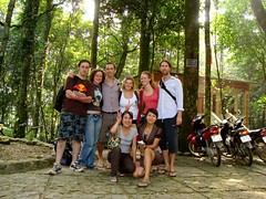 Group Photo, Ba V National Park (vnkht) Tags: nationalpark sony vietnam groupphoto hanoi 2009 bavinationalpark bavi vitnam hni bav vnqucgia huyn dscw130 vnqucgiabav gavinkwhite