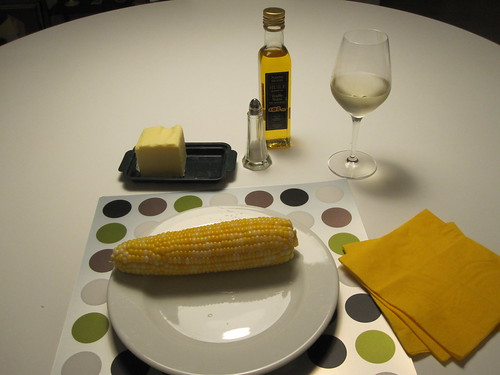 Corn on the cob with butter, salt and truffle oil