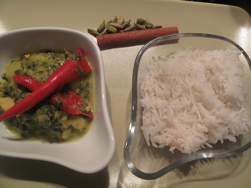 Saag chicken stew with rice
